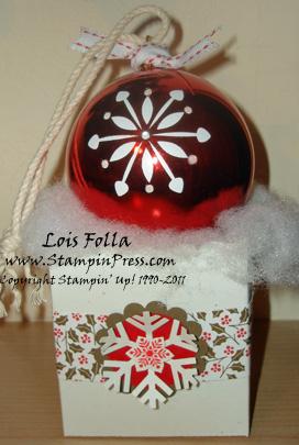 Christmas OrnamentLoisFolla2009